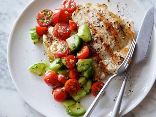 FNK_grilled-chicken-with-tomato-cucumber-salad_s4x3.jpg.rend.hgtvcom.966.725